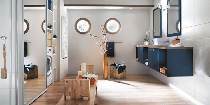 17 meilleures id es propos de salles de bain bleu marine sur pinterest peintures bleu marin Meuble salle de bain bleu marine