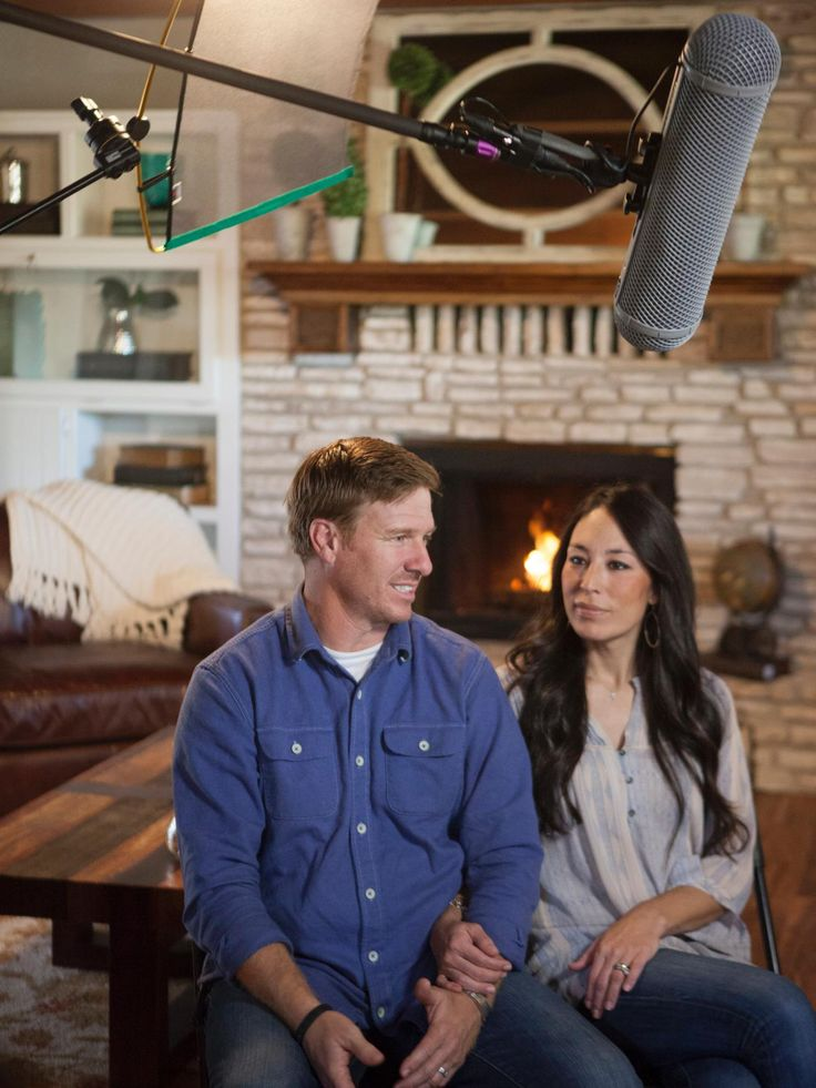 1000 images about joanna chip gaines on pinterest joanna gaines chip gaines and chip and. Black Bedroom Furniture Sets. Home Design Ideas