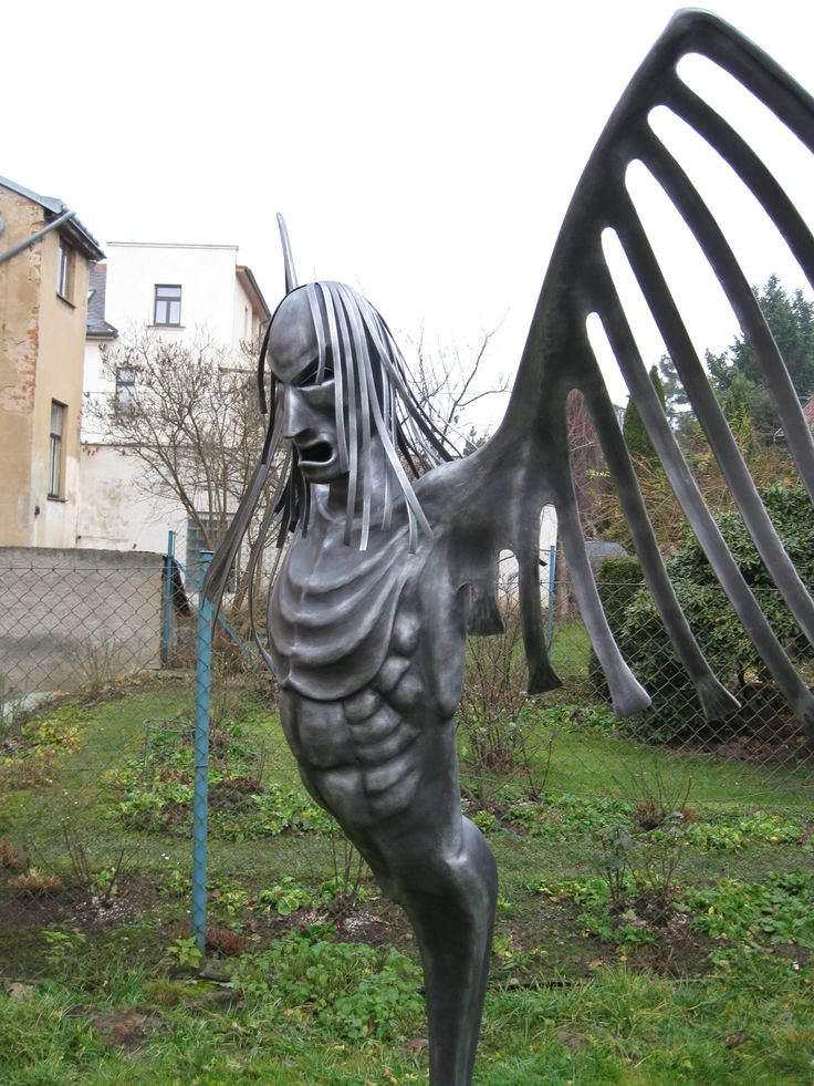 Angel metal sculpture - Alexandr Pleskač