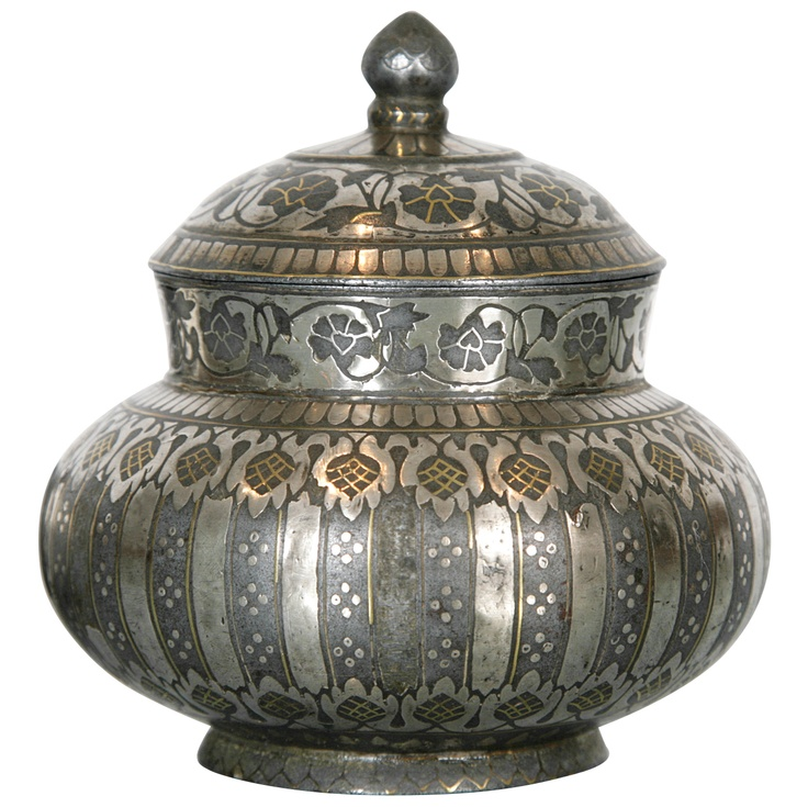 Bidri Container With Lid. An early example of Bidri ware with floral decoration. Silver and Gold inlaid on Metal. India, 18th c.