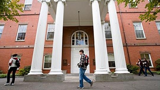 Tufts University  in Medford, Massachusetts  #macolleges #medfordMAMacolleg Medfordma