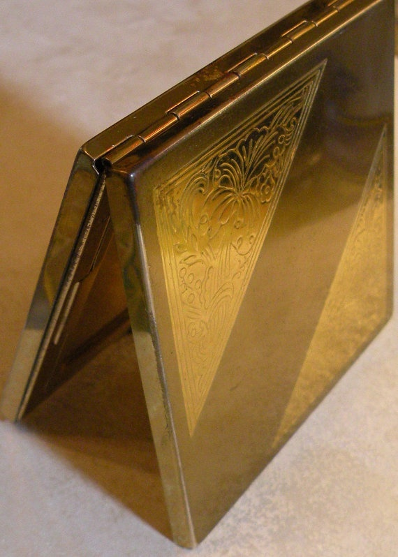 322 Best Images About Vintage Compact On Pinterest