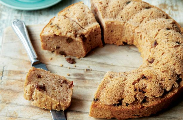 Low-sugar apple and cinnamon bundt cake recipe - goodtoknow