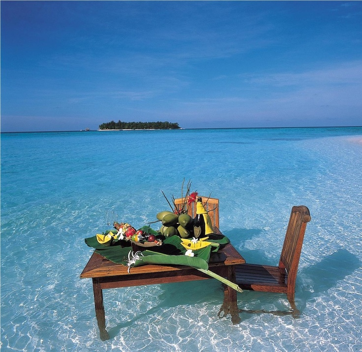 I want to have dinner here.