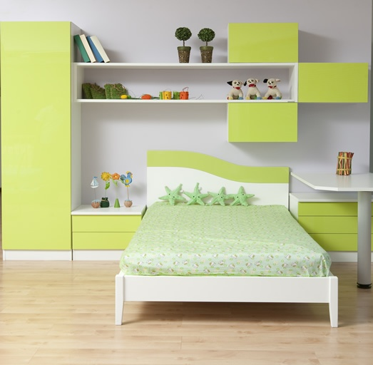 Kids Room Study Table: Attractive And Beautiful Kids Bedroom Interior With A Bed