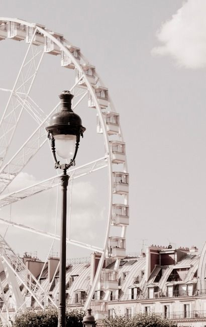 Le Grand Roue, Paris, France//