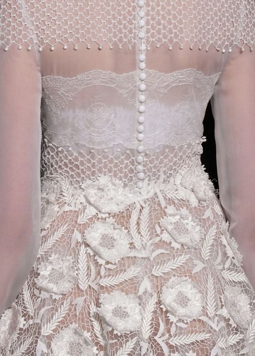 whore-for-couture:  vogue-is-viral:  Valentino Haute Couture s/s, 2013.  Haute Couture blog :)