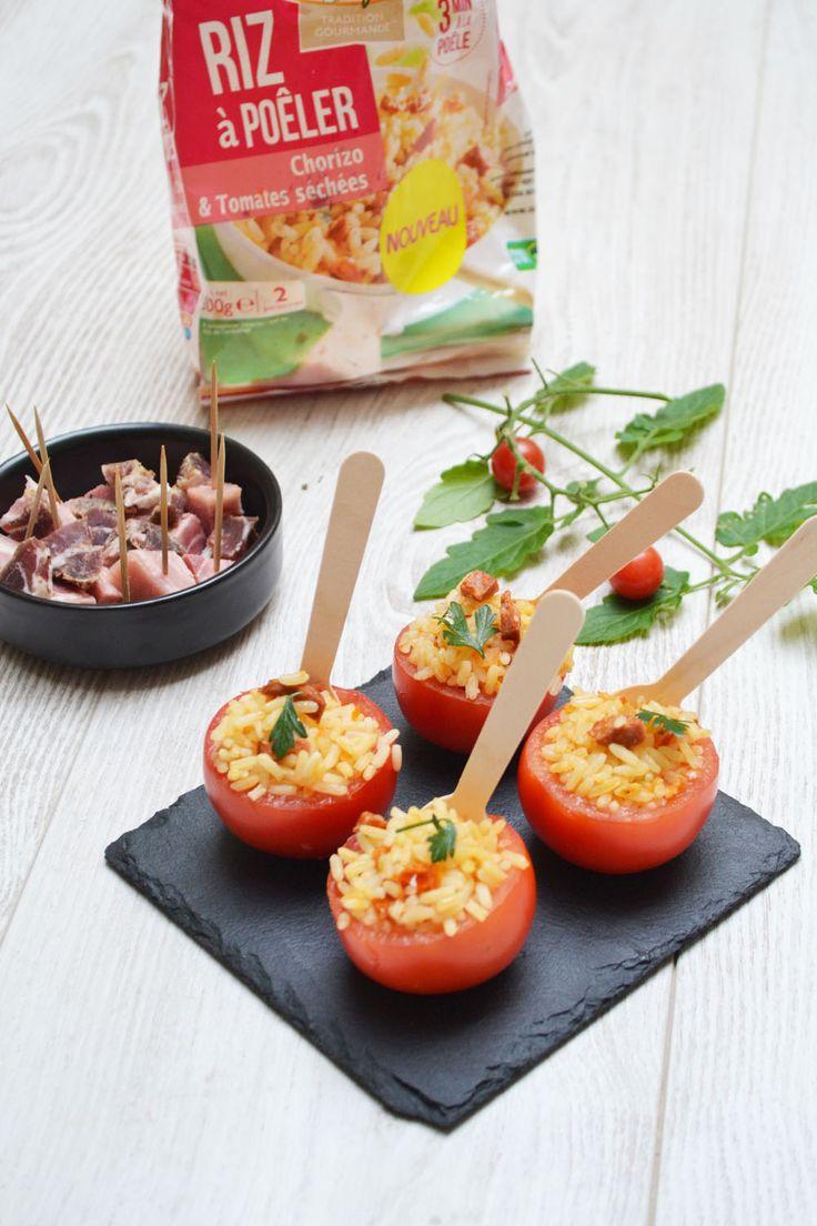 – 4 petites tomates – 1 sachet de riz à poêler Saint Jean au chorizo et aux tomates séchées Commencer par évider les tomates, en coupant le haut. Poêler le riz dans une poêle, pendant 3…