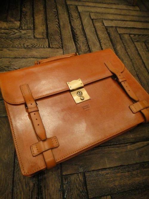 stylish briefcase: Shades, Veggies Burgers, Stylish Briefcases, I'M, Nice Briefcases, The One, Workout