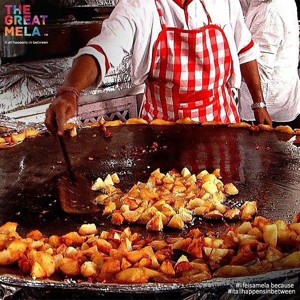 Aadha hai #nonveg aur #veg hai aadha, spasht kijiye kya hai Irada @thegreatmela this November! 40+ #restaurants to #eat to your hearts content! . . . . #comingsoon #thegreatmela #party #instaDubai #instagood #instafun #BestoftheDay #PicoftheDay #DubaiLife #MyDubai #dubai #India #mydxb #dxb #foodlovers #foodies #dubaifoodies #Foodie #Foodiegram #dineout #yummy #Dubaifoodie #lifeisamela #itallhappensinbetween #indianfood