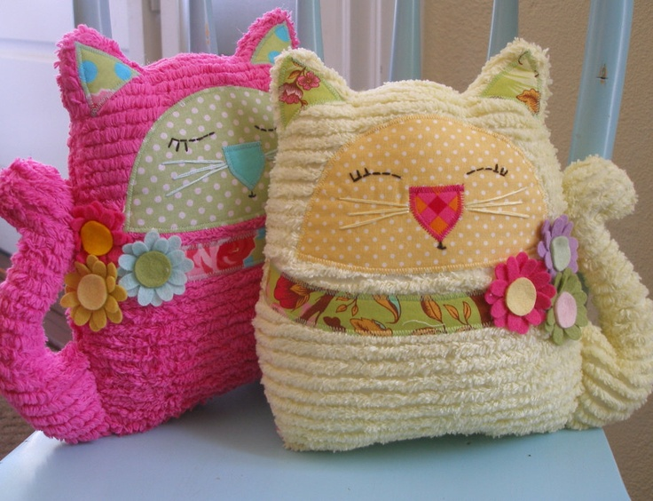 """Happy """"Rue"""" the smiling plush cat ~ Chenille Kitty Cat by Dianne emmi 's cottage ~"""