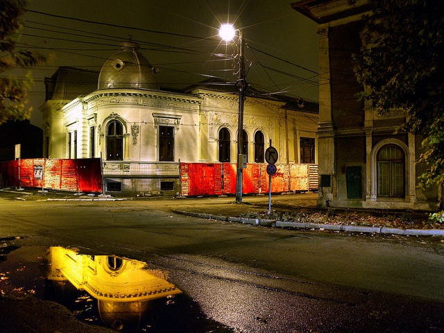 Braila by night by gulgulas, via Flickr