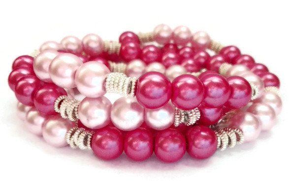 Collana di perle rosa chiaro e fucsia, intervallato da 6 distanziatori in metallo, con chiusura e anellini in metallo di CoccinellaShop83 su Etsy