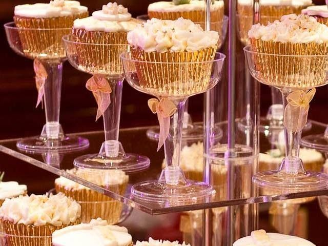 cupcake wedding cakes.. in champagne glasses..