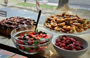 """Spieszysz się a brzuch upomina się o śniadanie? Zajrzyj do """"Latawca"""" a z kartą StudentOn zestaw śniadaniowy za 15 zeta!!"""