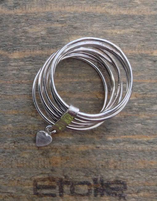 115 €. Anello 9 fili in argento con cuore della linea Hand Made by #EtoileGioielli