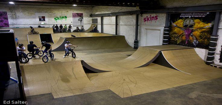 http://www.skateparkfinder.co.uk/wp-content/uploads/skate-park-finder-indoor-outdoor-directory-skate-shop-Motion-Bristol3.jpg
