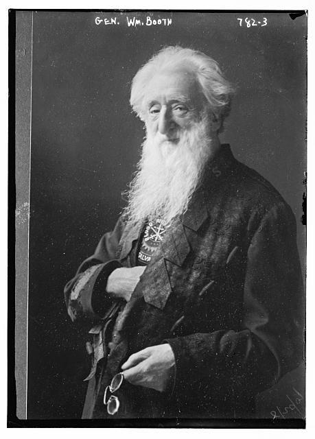Le pose di William Booth, fondatore dell'Esercito della Salvezza |———–> Cari nel Signore, guardate le pose di William Booth, fondatore dell'Esercito della Sal…