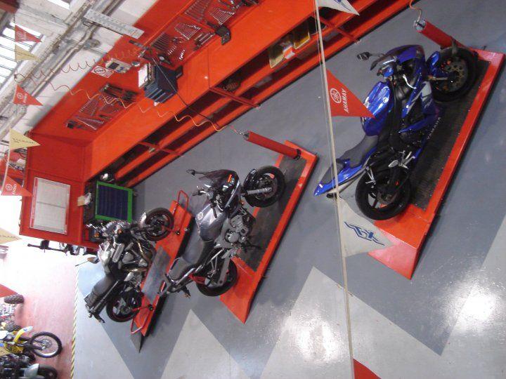 Taller de motos en Neumáticos Bierzo, S.L. - Motoequip - Concesionario Oficial…