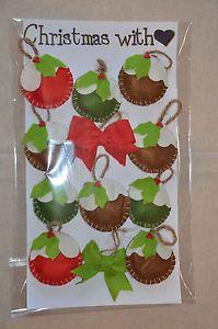 12 personaggi in pannolenci realizzati interamente a mano, per decorare il vostro albero di Natale o per impreziosire i vostri pacchi regalo.