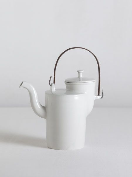 matthias kaiser ceramics - Bauhaus teapot with iron handle h 18cm without handle