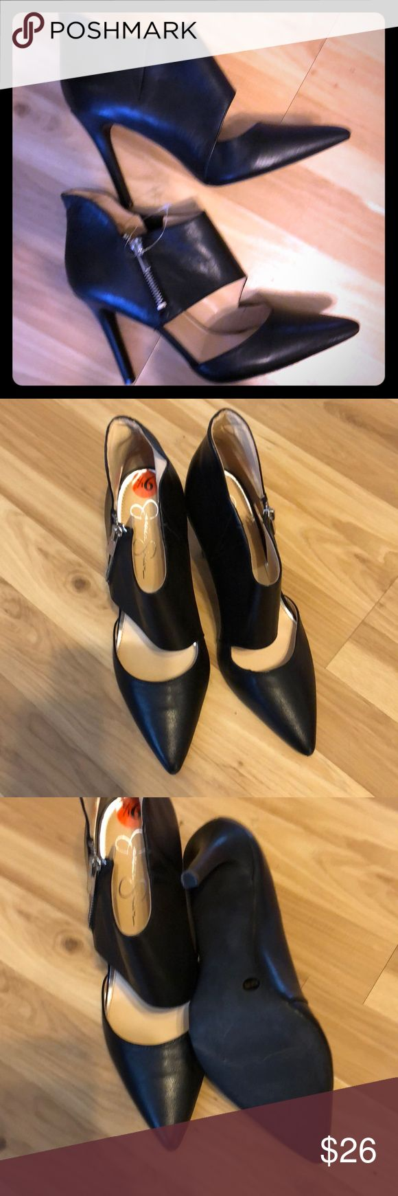 Jessica Simpson  Black Pumps size9.5 New Worn Black Pumps Jessica Simpson Shoes Heels