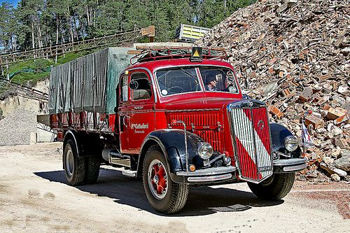 LANCIA ESATAU 3 RO  Truck Camion of A.I.T.E. www.trasportidepoca.it/  Raduno Mezzi Trasporto Epoca a St FELIX Bz  Transport Vintage Vehicles Rally at St Felix Bx ITALY  31.07.2010