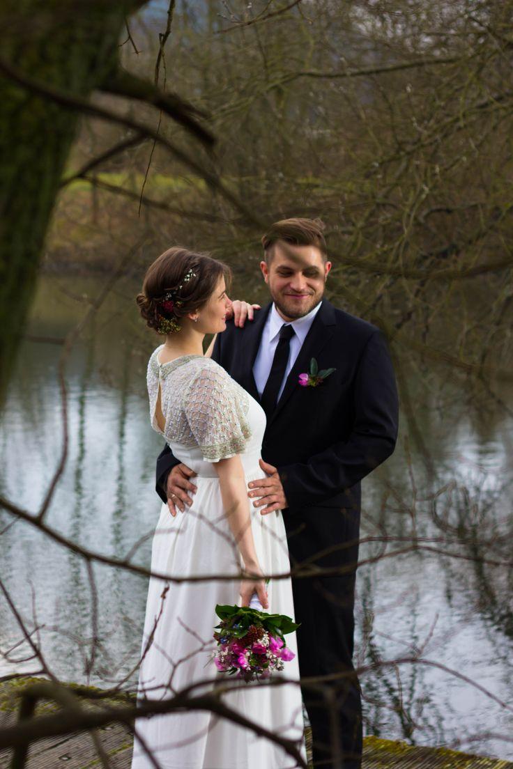 bride braut brautfrisur goslar frisur locken geflochten blumen wedding hochzeit schwanger baby asos weddingdress
