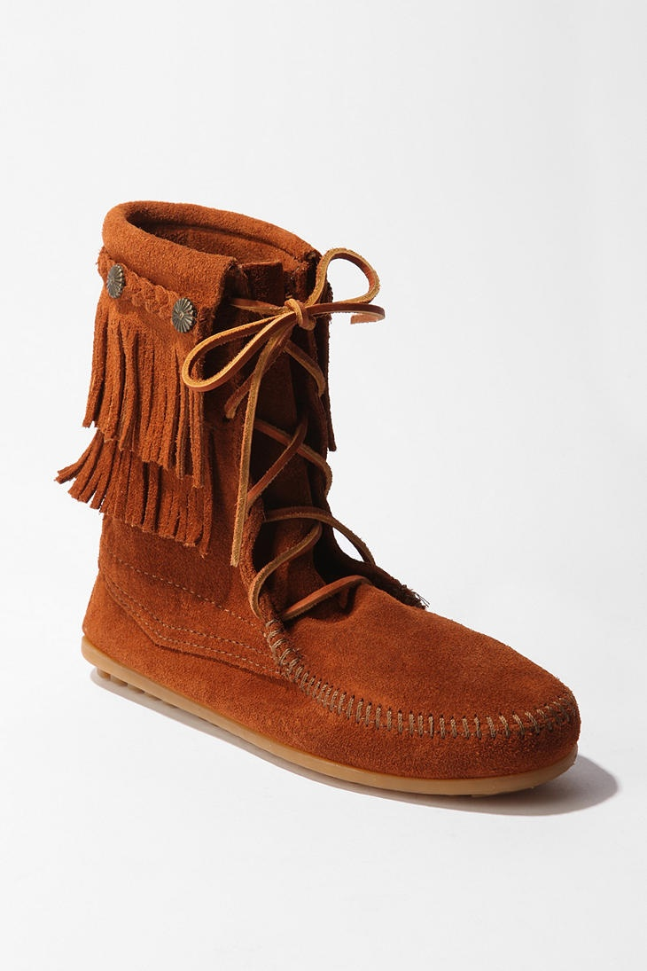 Minnetonka suede leather knee high tall lace up moccasin fringe boots - Breannastovall S Save Of Urban Outfitters Minnetonka Tramper Boot On Wanelo