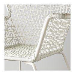 IKEA - HÖGSTEN, Armlehnstuhl/außen, Handgeflochtenes Kunstrattan wirkt wie Naturrattan, ist aber für die Benutzung im Freien…
