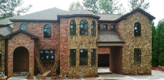 Exterior Paint Colors that Go Well with Brick