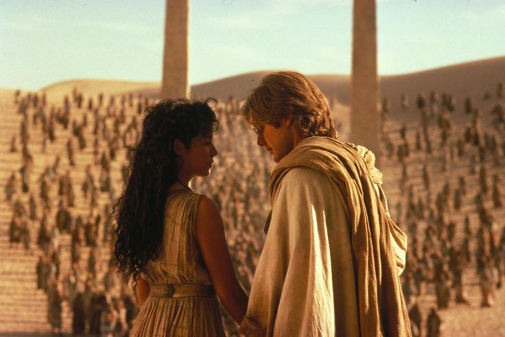 Still of James Spader and Mili Avital in Stargate (1994) http://www.movpins.com/dHQwMTExMjgy/stargate-(1994)/still-4125800704