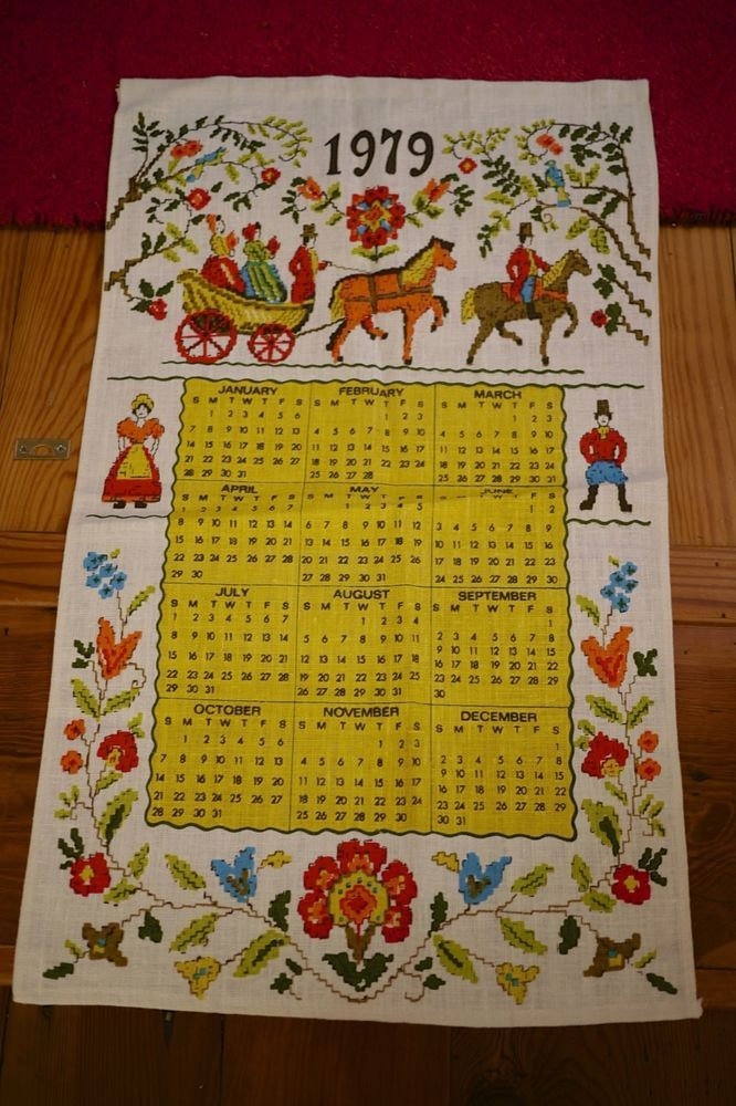 Vintage 1979 Colorful Victorian Woven Linen Calendar Wall Hanging Tea Towel