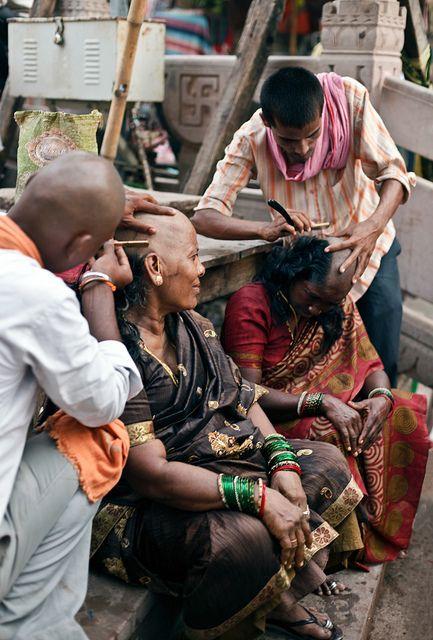Street Barbers in India ॐ ✫ ✫ ✫ ✫ ♥ ❖❣❖✿ღ✿ ॐ ☀️☀️☀️ ✿⊱✦★ ♥ ♡༺✿ ☾♡ ♥ ♫ La-la-la Bonne vie ♪ ♥❀ ♢♦ ♡ ❊ ** Have a Nice Day! ** ❊ ღ‿ ❀♥ ~ Mon 12th Oct 2015 ~ ~ ❤♡༻ ☆༺❀ .•` ✿⊱ ♡༻ ღ☀ᴀ ρᴇᴀcᴇғυʟ ρᴀʀᴀᴅısᴇ¸.•` ✿⊱╮