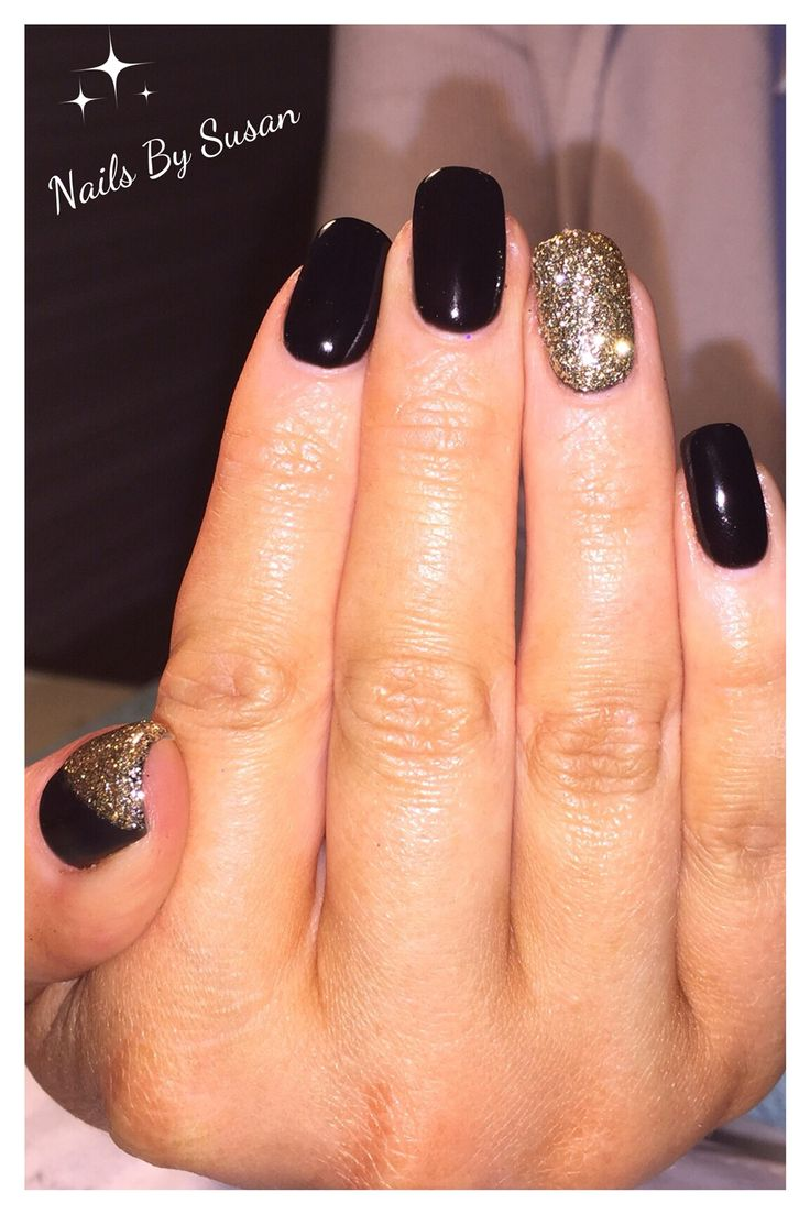 Gelish Nails in Black Shadow with gold glitter designs #blacknails #black #nailart #nails #gelish #goldnails #gold #glitter