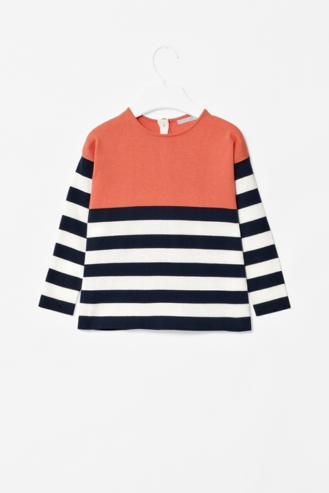 Colour-block jumper of soft cotton w/ contrast panel detail at front & back, long sleeves, round neckline & button fasteners at the back