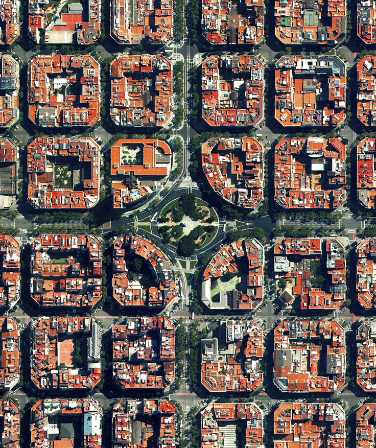 Civilização em perspectiva: O mundo visto de cima,Barcelona, Spain. Image Courtesy of Daily Overview. © Satellite images 2016, DigitalGlobe, Inc