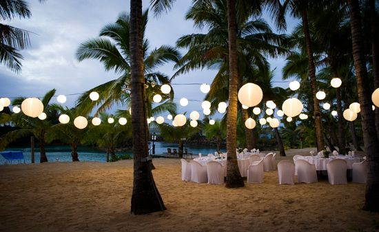 This is so gorgeous for a outdoor fiji wedding...my friends and family would love this