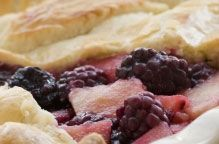 Apple & Bramble Pie - the perfect winter warmer to end a hearty Burns Supper