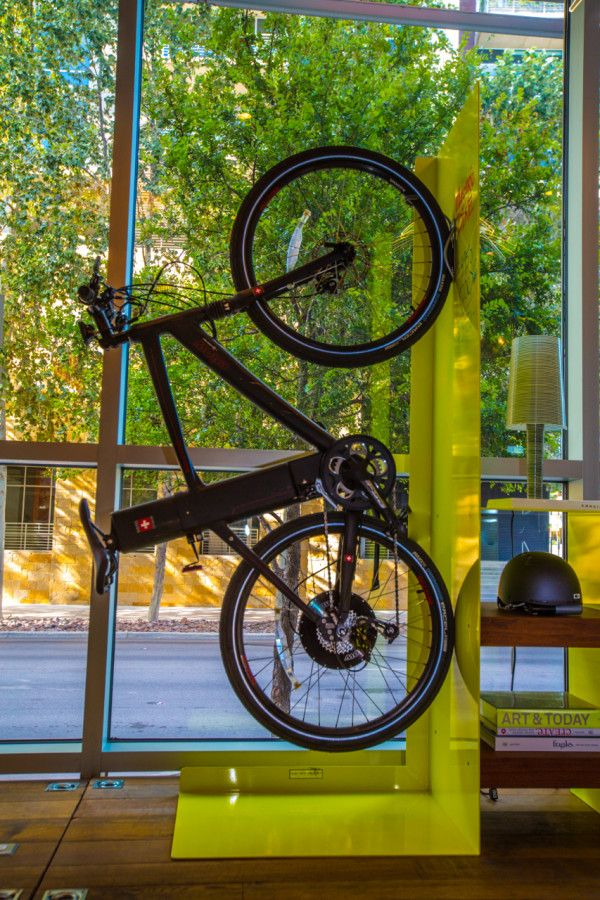 Cool way to display bikes in shop window