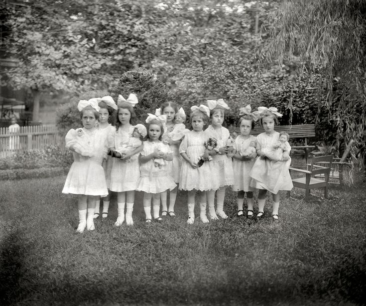 """July 22, 1913. Washington, D.C. """"Dorothy's party."""" At center is Dorothy French, daughter of National Photo Co. proprietor Herbert French."""