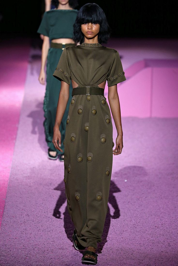 No one blinked at the marc jacobs fashion show when a model wore a - Marc Jacobs Spring 2015 Ready To Wear Fashion Show