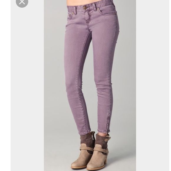 Free People Milenium semi cropped lavender jeans Free People Milenium semi cropped lavender jeans. Pristine condition. Free People Jeans Ankle & Cropped