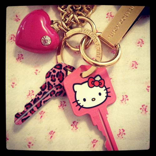 WANT. NOWJuicy Couture, Girls Cars Accessories, Cars Accessories Girls, Hellokitty, Kitty Keys, Hello Kitty, Hellow Kitty, Girly Cars Accessories, House Keys