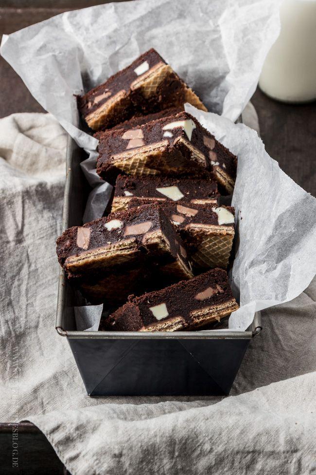 Mein Rezept für Triple Chocolate Brownies auf knusprigem Kekswaffelboden   KLITZEKLEIN
