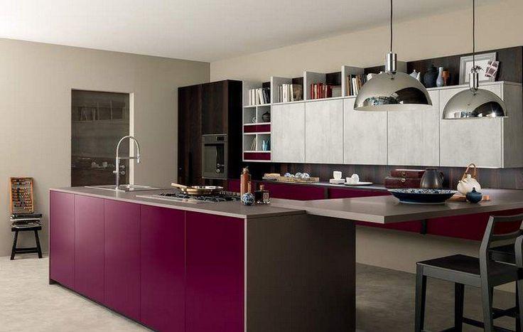couleur-cuisine-façades-armoires-bois-grisâtre-îlot-aubergine-Materia-febal-casa