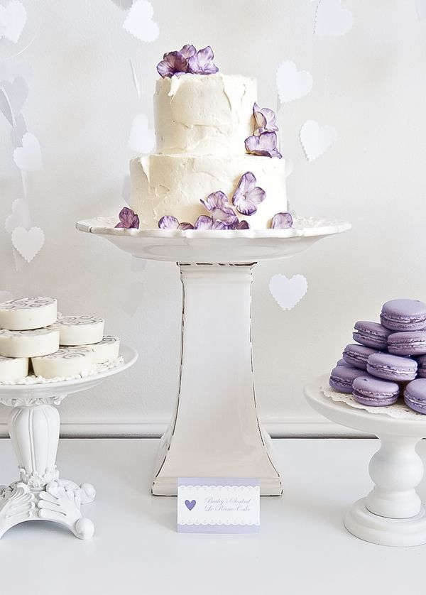 Easy Cakes to Impress Your GuestsBaby Shower Desserts, White Cake, Desserts Ideas, Lavender Macarons, Lavender Weddings, Cake Stands, Wedding Cakes, Rustic Cake, Purple Flower