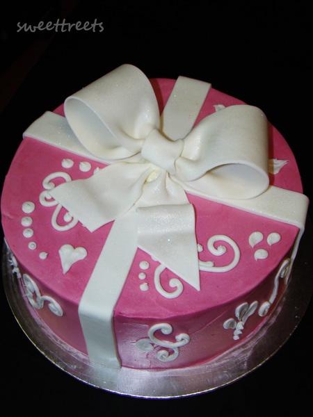 Elegant Birthday Cake by SweetTreets, via Flickr