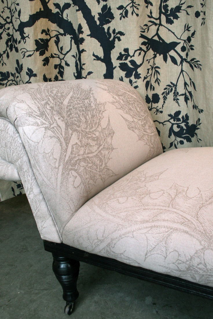Thistle chaise