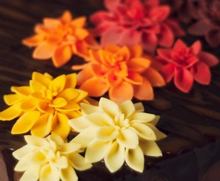 How to make easy fondant dahlias